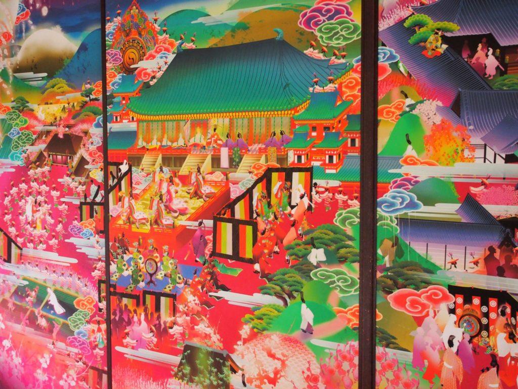 小野小町の一生がカラフルに描かれた随心院の襖絵
