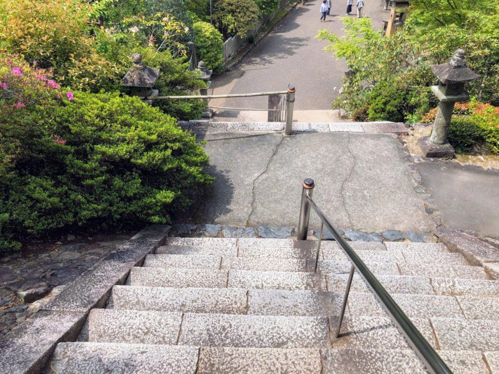 ちょっと急な階段