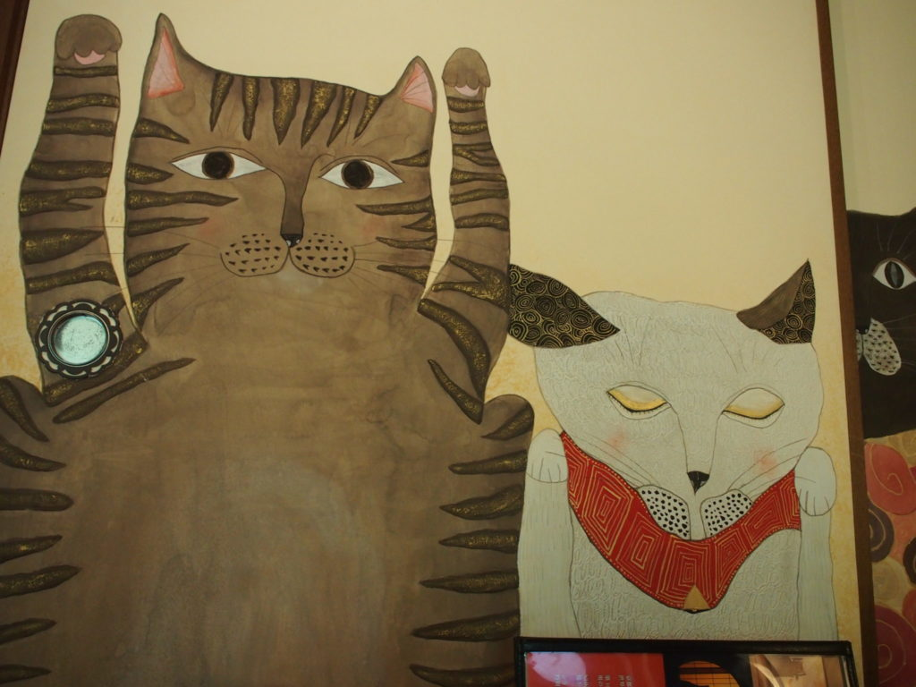 猫猫寺の襖(ふすま)