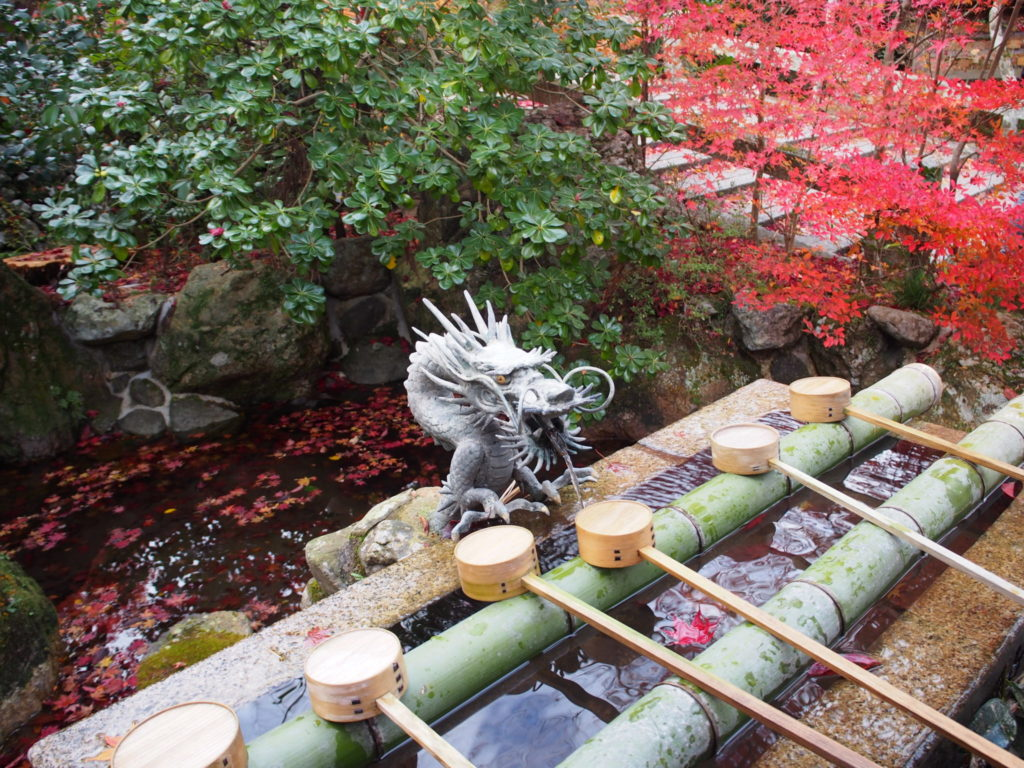 鍬山神社の手水舎
