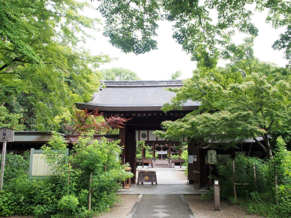 学業成就と恋愛成就のご利益があるとされる梨木神社