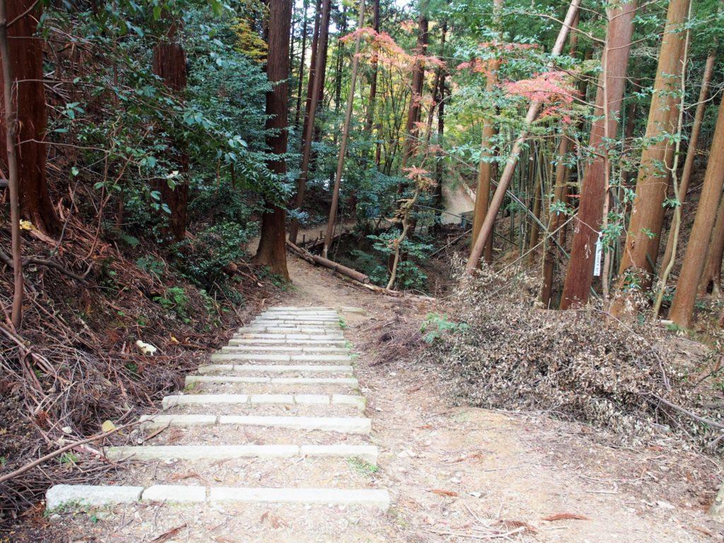 「伊勢神宮遥拝所」へ向かう道中