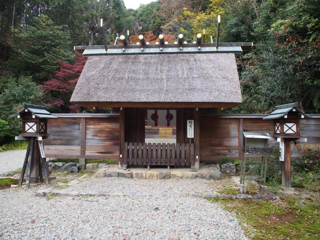 日向大神宮内のお伊勢さんの外宮(げく)