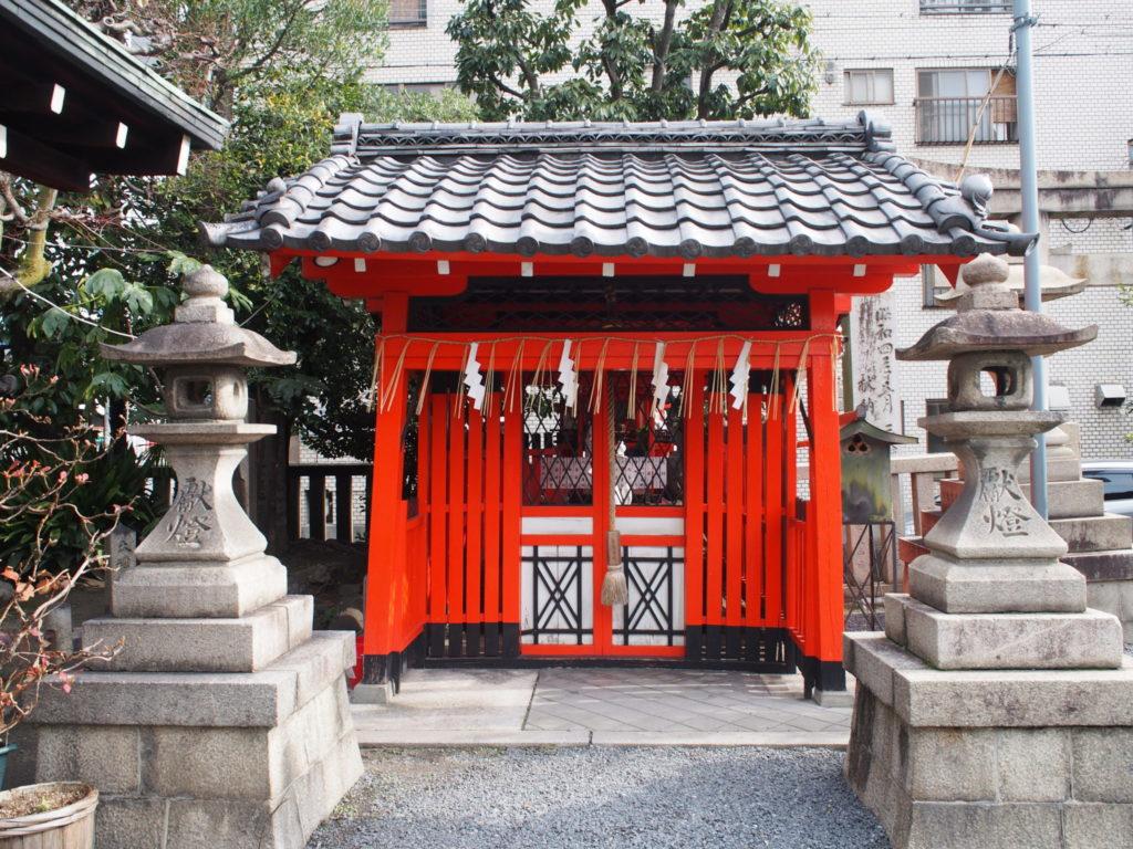 梛神社の摂社「上川稲荷社」