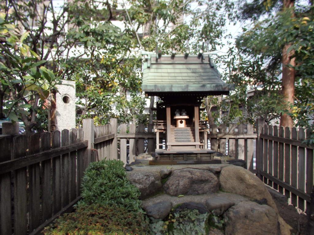 田中神社のお社
