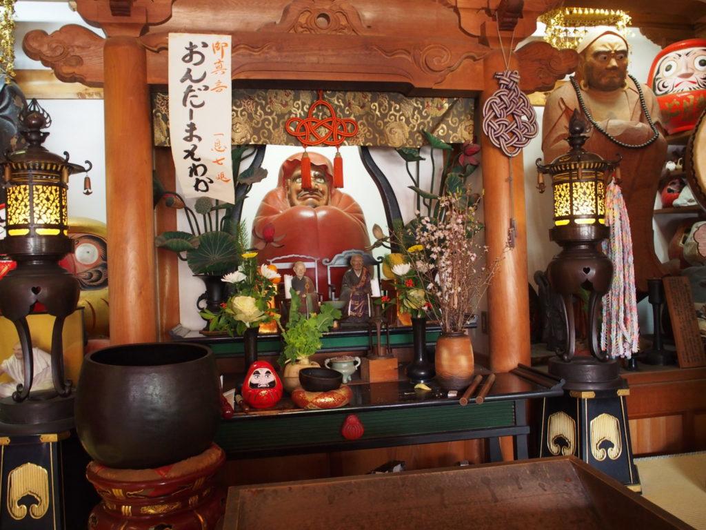 達磨寺の達磨様
