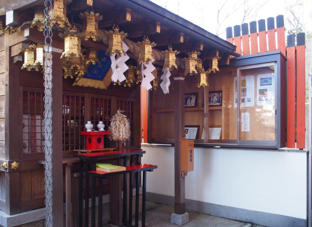 三嶋神社の社殿