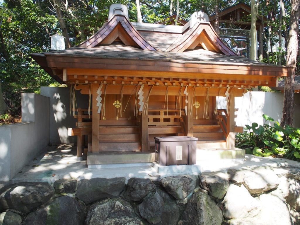 新熊野神社の上之社(かみのやしろ)