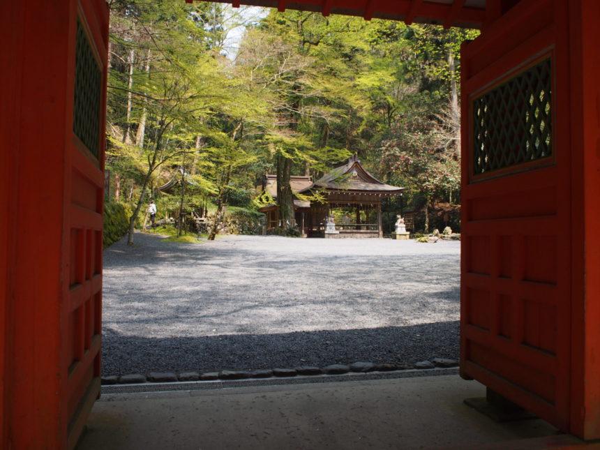 貴船神社の奥宮の神門から見た奥宮