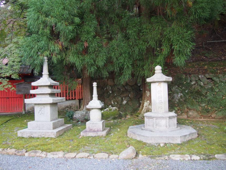 法輪寺の針供養塔