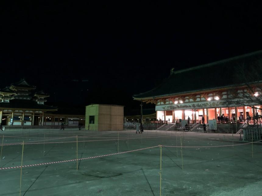 境内が広いので余計に寂しく感じる平安神宮